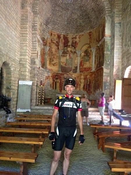 Momento de recogimiento en la Iglesia de Sta. María de Iguacel