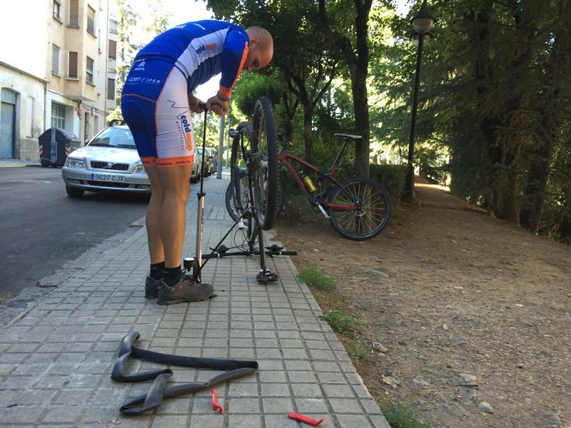 Cambiando la cámara de la bici